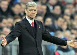 Wenger Frustasi Cari Bek Tengah Top
